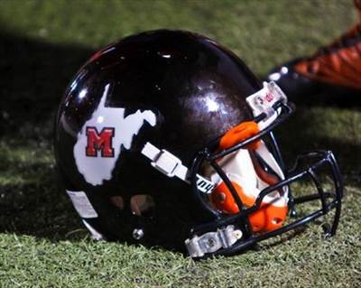 bulldogs_martinsburg_boys_varsity_football_fall_15-16